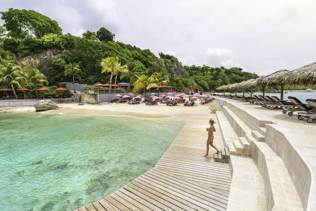 piscine-mer-la-toubana-hotel-and-spa-guadeloupe-la-rochelle-voyages