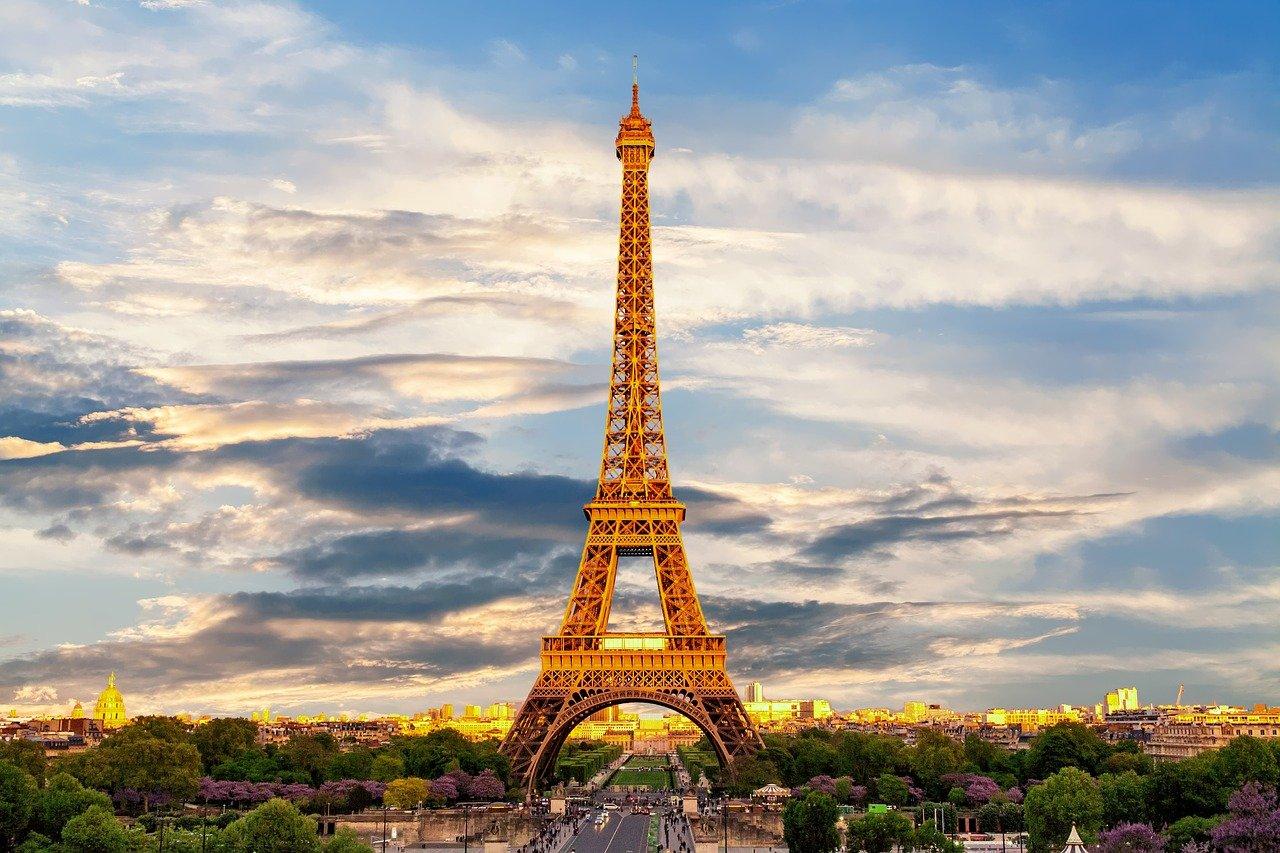 tour-eiffel-paris-france-la-rochelle-voyages